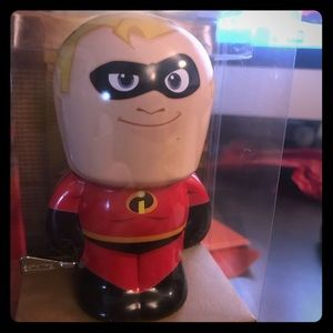 Other - New collectible The Incredibles tin wind up